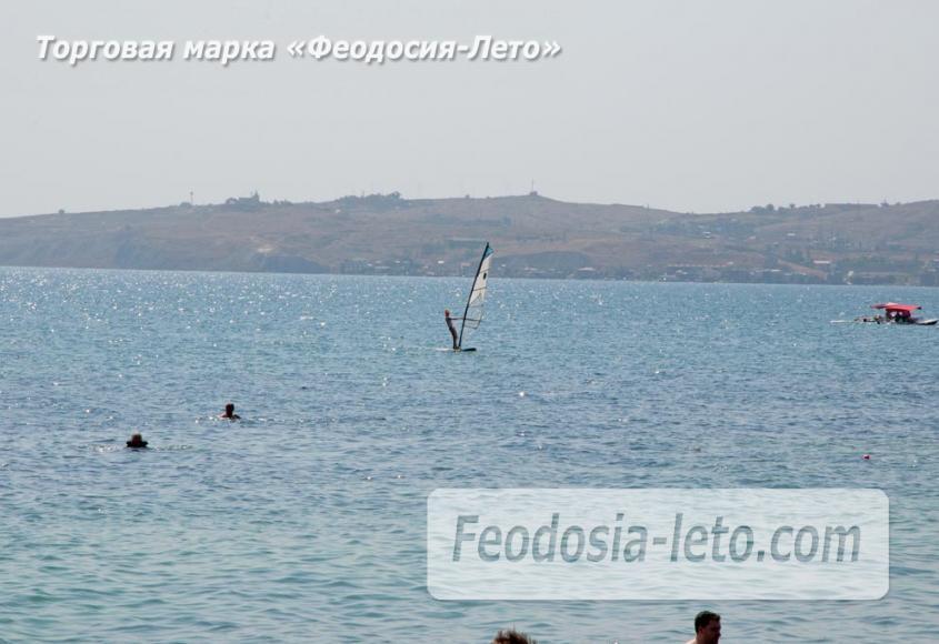 Пляжи Феодосии на Черноморской набережной - фотография № 23