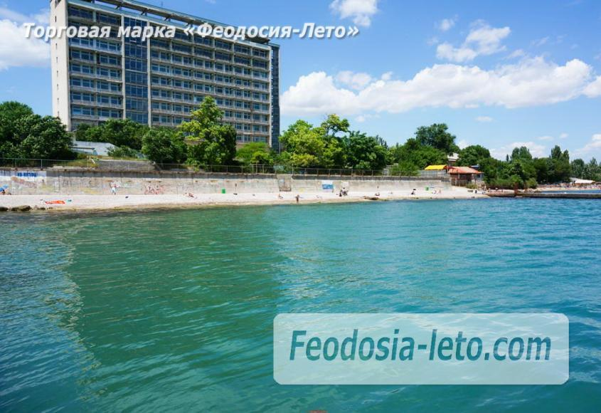 Пляж Ай-Петри, рядом с кафе Суворинские камни в Феодосии - фотография № 18