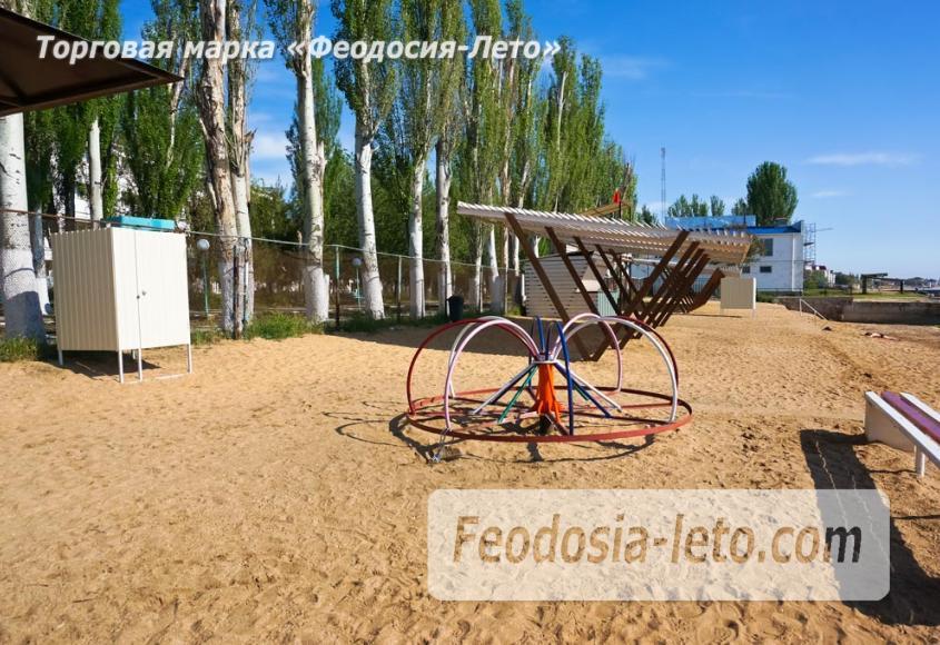 Пляж базы Крым-спорт в Феодосии - фотография № 5