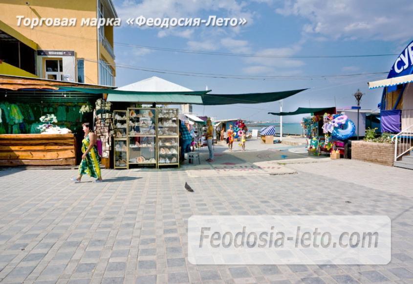 Центральный пляж Камешки в Феодосии - фотография № 14