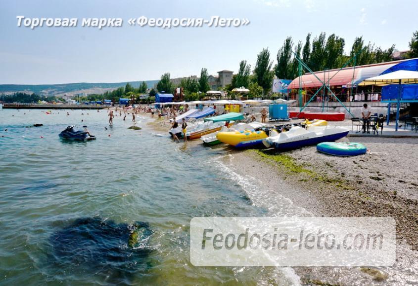 Центральный пляж Камешки в Феодосии - фотография № 7