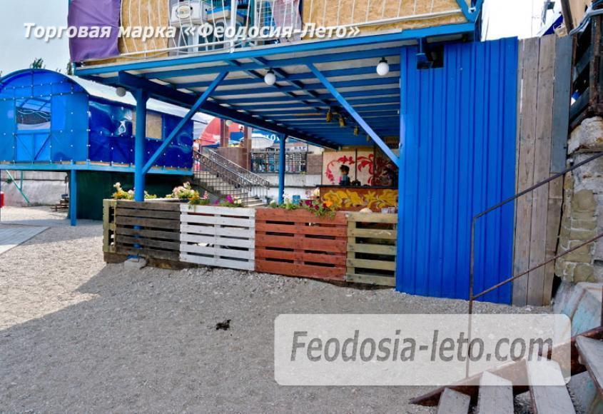 Центральный пляж Камешки в Феодосии - фотография № 8