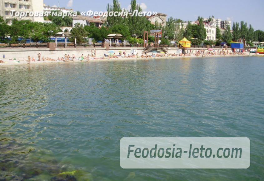 Центральный пляж Камешки в Феодосии - фотография № 11