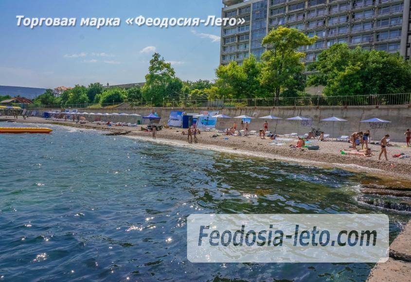 Пляж Ай-Петри, рядом с кафе Суворинские камни в Феодосии - фотография № 7