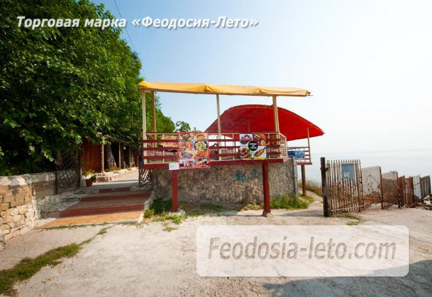 Пляж Ай-Петри, рядом с кафе Суворинские камни в Феодосии - фотография № 9