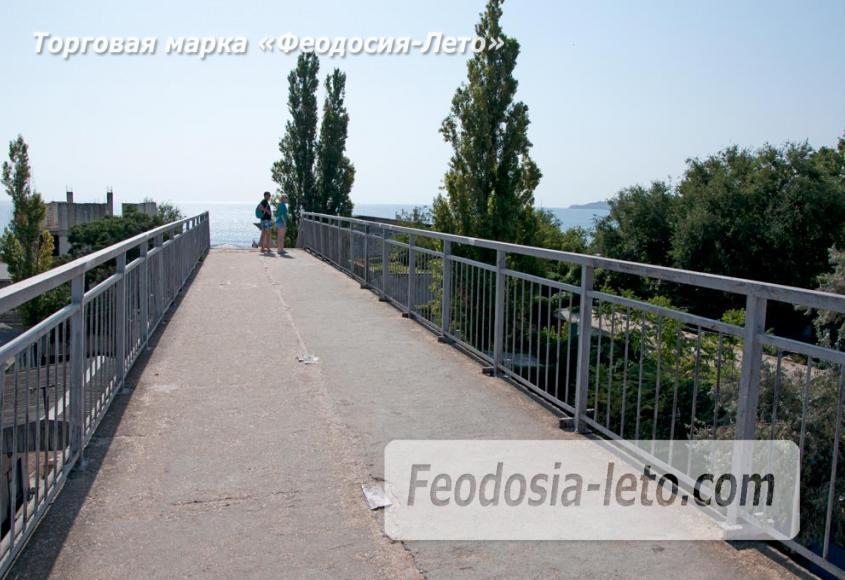 Мост в Феодосии на станции Айвазовская на пути к Черноморской набережной и пляжу - фотография № 10