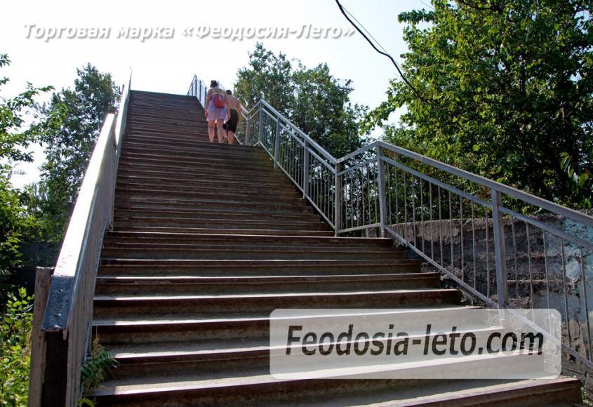 Мост в Феодосии на станции Айвазовская на пути к Черноморской набережной и пляжу - фотография № 5
