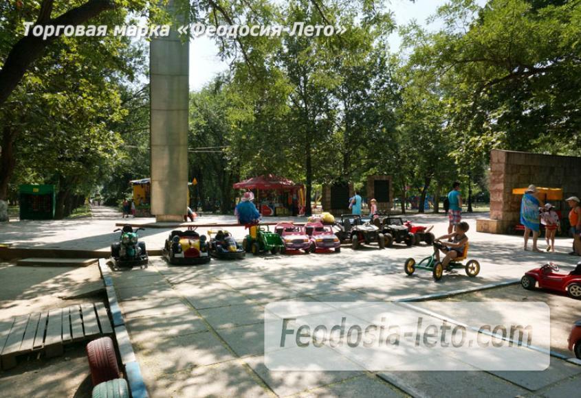Комсомольский парк в Феодосии - парки города - фотография № 10