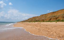 Дикий пляж на Песчаной балке п. Приморский у Феодосии