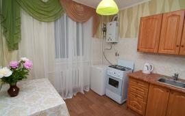 1 комнатная квартира в Феодосии, улица Куйбышева, 2