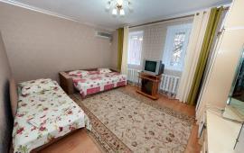 2-комнатный дом у моря в Феодосии, улица Чкалова