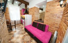 2-комнатная квартира в Феодосии, улица Федько. Рядом кинотеатр Украина