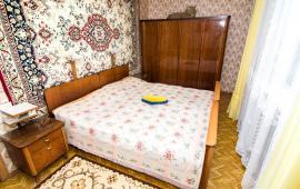2 комнаты в квартире в Феодосии на бульваре Старшинова, 12
