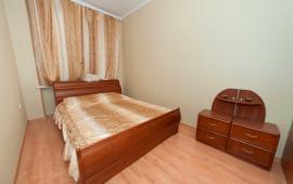 2 комнатная демократичная квартира в Феодосии, улица Федько, 1-А