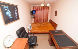 2 комнатная квартира в Феодосии, улица Кирова, 8