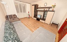 2 комнатная манящая квартира  в Феодосии, бульвар Старшинова, 19