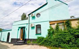 2 комнатный коттедж в Феодосии, улица Советская