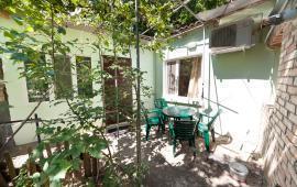 2 комнатный дом в Феодосии на улице Листовичей