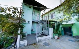 2-х квартирный коттедж в Феодосии на улице Энгельса