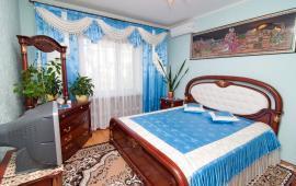 3 комнатная элитная квартира на улице Дружбы 42-А на Золотом пляже в Феодосии