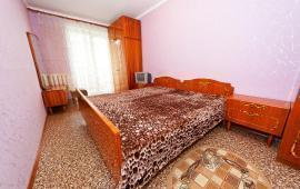 3 комнатная квартира в Феодосии, бульвар Старшинова, 12
