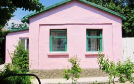 3 комнатный дом в Феодосии на улице Баранова