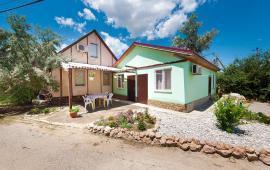 6 комнатный коттедж для большой компании на Керченском шоссе в Феодосии