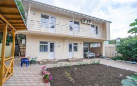 Частная мини гостиница на 4 номера, улица Севастопольская в Феодосии