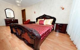 3-комнатная квартира-студия с ремонтом, улица Чкалова. 66