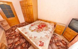 Феодосия 3 комнатная квартира на Белом бассейне