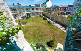 Новый отель в Феодосии на Черноморской набережной в 2-х минутах от моря