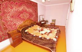 3 комнатная квартира в Феодосии, бульвар Страшинова, 10