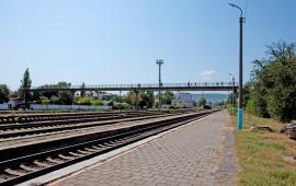 Мост в Феодосии на станции Айвазовская на пути к Черноморской набережной и пляжу