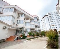 Феодосия 1-комнатная на Черноморской набережной - фотография № 1