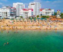 Море, пляж и жилой комплекс, где находится квартира - фотография № 1