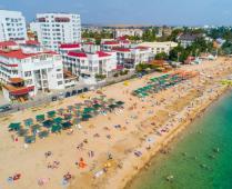 Море, пляж и жилой комплекс, где находится квартира - фотография № 18