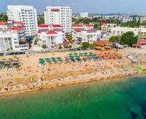 Море, пляж и жилой комплекс, где находится квартира - фотография № 19