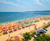Море, пляж и жилой комплекс, где находится квартира - фотография № 8