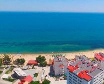 Отдых на Черноморской набережной в Феодосии - фотография № 12