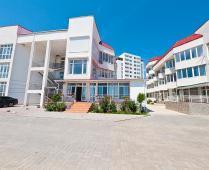 Дома на берегу моря в Феодосии - фотография № 2