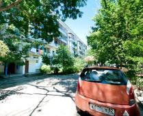 Двор дома в Феодосии, улица Чкалова, 66 - фотография № 1