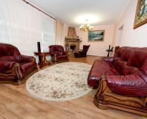 Коттедж в Феодосии до 10 человек. 5-комнатный с 2-мя холлами - фотография № 1