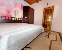 Коттедж в Феодосии до 10 человек. 5-комнатный с 2-мя холлами - фотография № 7
