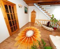 Коттедж в Феодосии до 10 человек. 5-комнатный с 2-мя холлами - фотография № 4