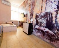 Эллинги в Феодосии: 2-комнатный номер с выходом на море со своей кухней - фотография № 1