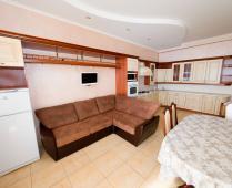 Эллинги в Феодосии: 2-комнатный номер с выходом на море со своей кухней - фотография № 4