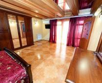 3-местный номер в эллинге на Золотом пляже в Феодосии: - фотография № 4