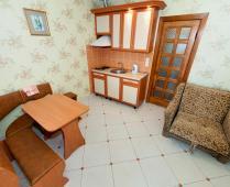 Феодосия эллинг с кухней в номерах на Черноморской набережной - фотография № 10