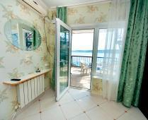 Феодосия эллинг с кухней в номерах на Черноморской набережной - фотография № 7