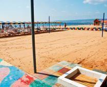 Песчаный пляж гостиницы в Феодосии - фотография № 2
